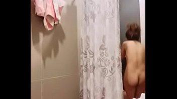 แก้ผ้า เรวดี ย้อมสี เน็ตไอดอลไทย เต้นแก้ผ้า เต้นอาบน้ำ