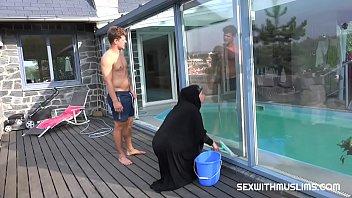 โม๊กควย แอบเย็ด แอบดูหี เย็ดหีสาวอิสลาม เย็ดกลางแจ้ง