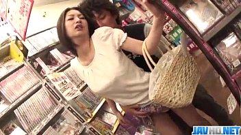 โป๊เด็ดญี่ปุ่น โป๊ แอบเย็ด เย็ดในร้านหนังสือ เย็ดหีสาวญี่ปุ่น