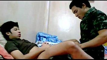 เสียวตูด เย็ดคาชุดทหาร เจ็บตูด เกย์ทหาร หนังเกย์ไทย