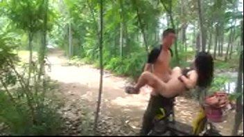 เอากับแฟน เอากลางป่า เย็ดในป่า เย็ดหี เย็ดสาวจีน