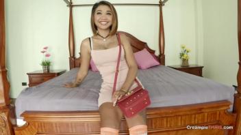 เลียหี เย็ดแลกเงิน เย็ดสาวอายุน้อย เย็ดกะหรี่วัยรุ่น หีไทย