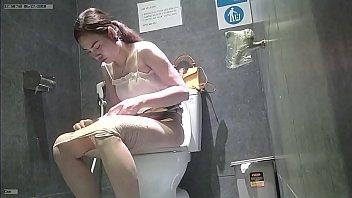 แอบส่องหี แอบถ่ายในห้องน้ำหญิง แอบถ่ายหี แอบถ่ายตอนเยี่ยว หีไฮโซไทย