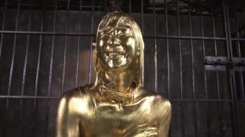 โป๊ โดนเย็ด เย็ดหีมนุษย์ทองคำ เซ็กส์แนวแปลก หีสีทอง
