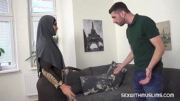 โม๊กควย แตกใน เย็ดสาวมุสลิม เย็ดกับผัวฝรั่ง เย็ดกลางบ้าน