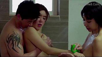 ให้เพื่อนเย็ดผัว โป๊หีเกาหลี เย็ดในห้องน้ำ เย็ดเกาหลี เย็ดกับผัวเพื่อน