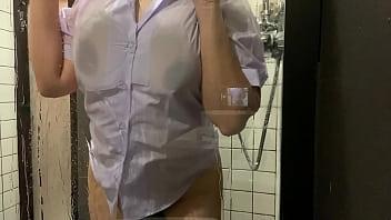 แทงหี เย็ดในห้องน้ำ เย็ดรุ่นน้อง เย็ดนาน เย็ดคาชุด