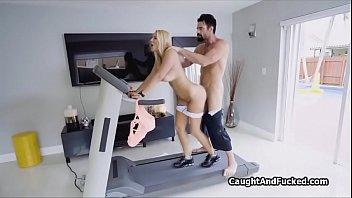 เสียว เย็ดในบ้าน เย็ดสาวเงี่ยน เย็ดสาวฝรั่ง เย็ดบนเครื่องออกกำลังกาย